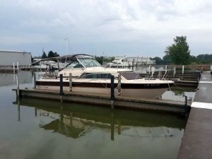 1982 Chris Craft 281 Catalina Express