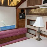 1985 Sea Ray 30 Weekender Dining
