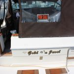 1985 Sea Ray 30 Weekender entrance
