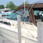 1985 Sea Ray 30 Weekender side